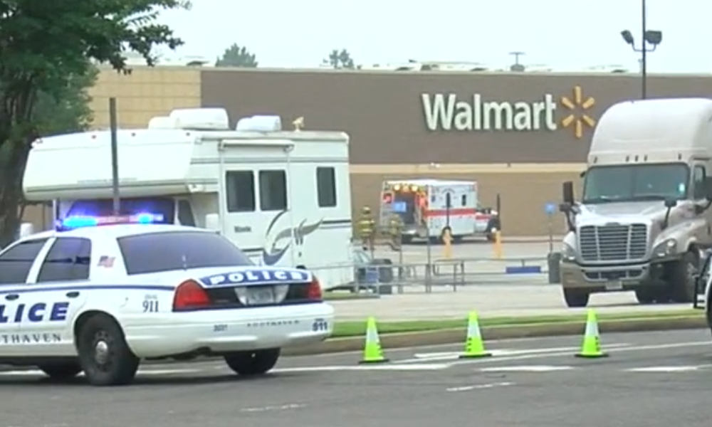 2 dead in shooting at Southaven, Mississippi, Walmart