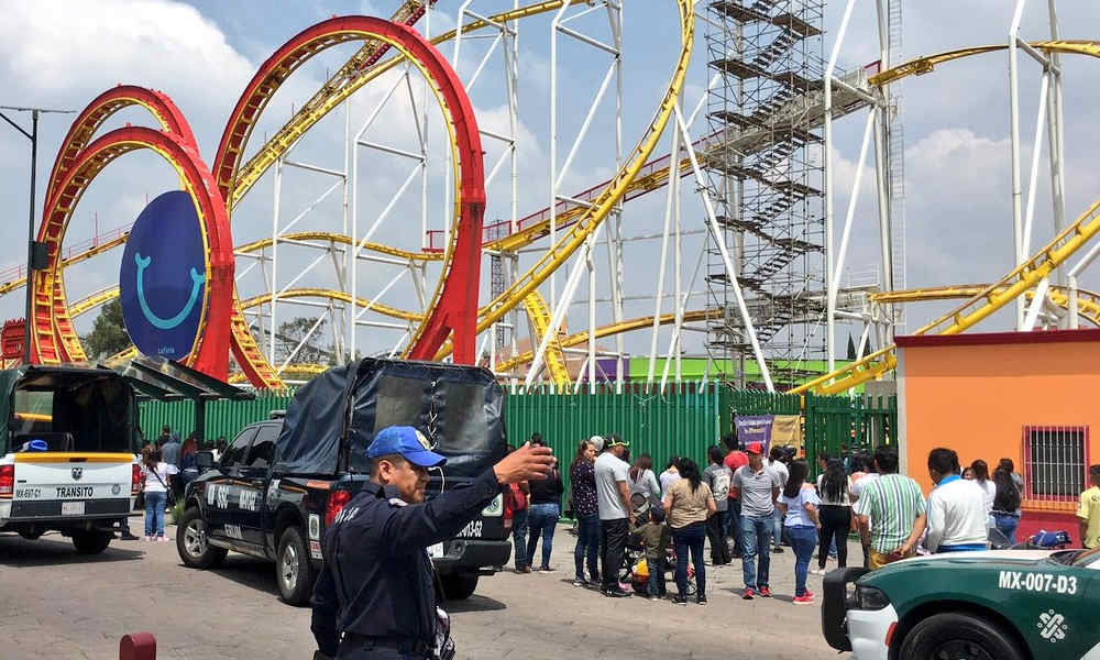 Two dead as roller coaster auto derails in Mexico City